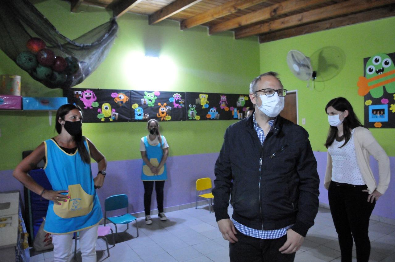 Valenzuela anunció un apoyo económico a los jardines de Tres de Febrero