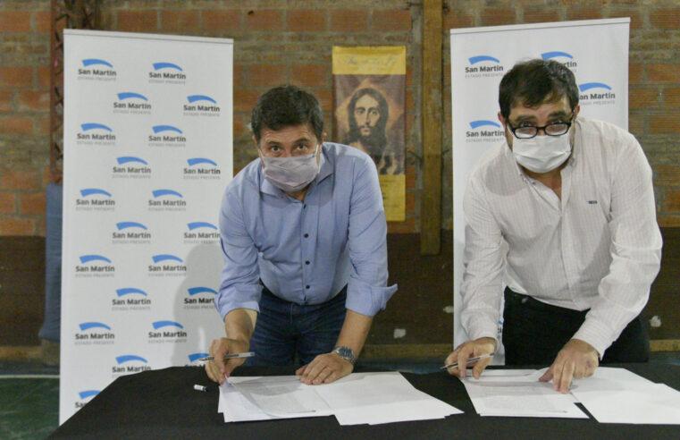 Moreira y Arroyo firmaron convenio para entregar maquinarias destinadas a proyectos productivos locales