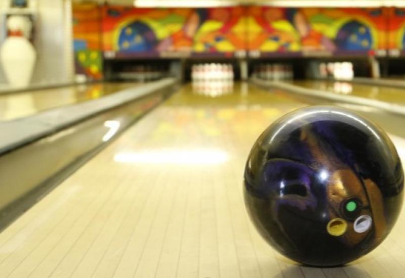 San Isidro habilita bowlings y pools