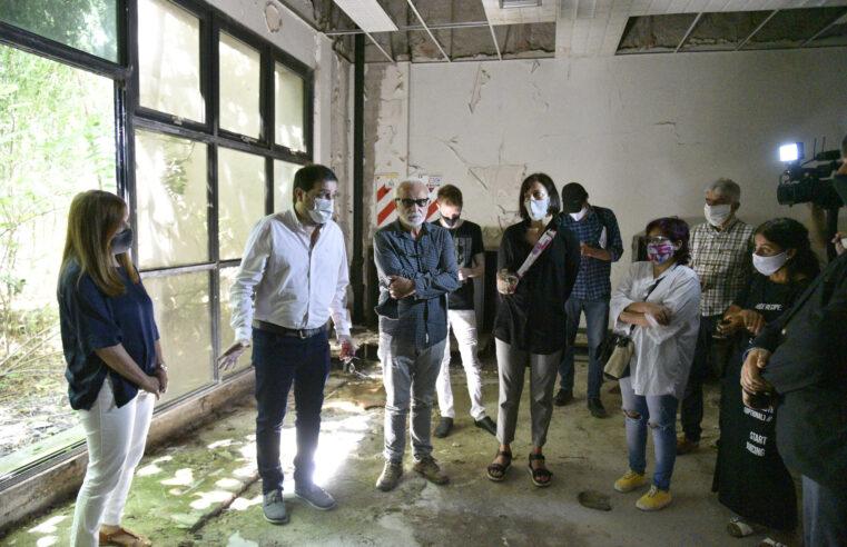 Moreira recorrió el futuro Centro Municipal de las Artes y la Cultura de Villa Ballester