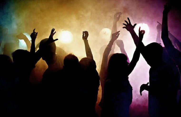 La provincia de Buenos Aires autorizó fiestas al aire libre