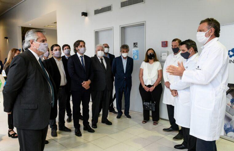 Moreira acompañó a Alberto Fernández en su visita a los laboratorios de la UNSAM