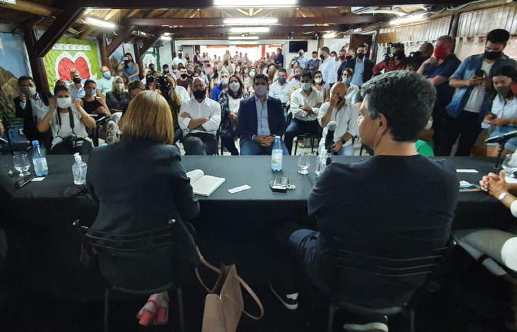 Patricia Bullrich presentó su libro acompañada por Lucas Aparicio