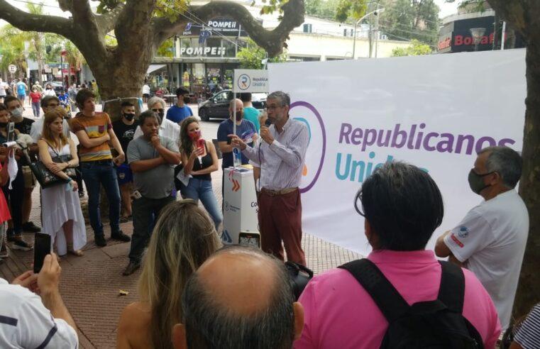 Agustín Etchebarne dialogó con vecinos San Fernando