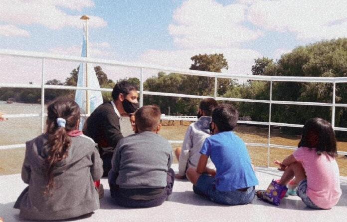 Tigrecitos Navegando, el programa municipal que lleva a niños y niñas a conocer el Delta