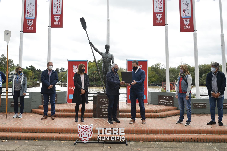 Junto a atletas locales, el Municipio de Tigre conmemoró el Día Nacional del Remero