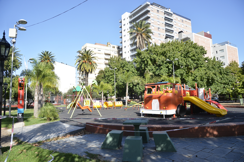 Tigre cierra las plazas, polideportivos, el Puerto de Frutos y centros comerciales a cielo abierto
