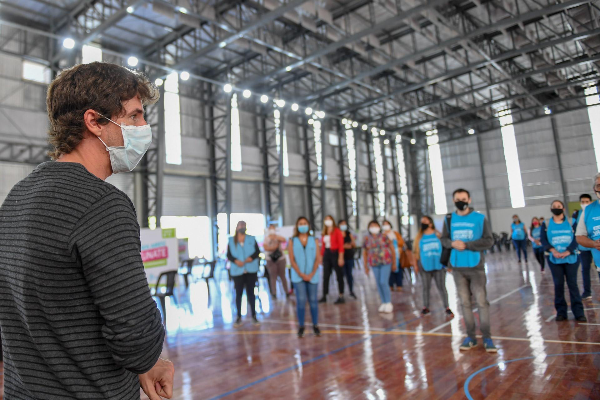 Juan Andreotti presentó nuevo Centro de Vacunación en el Microestadio del Polideportivo N°2