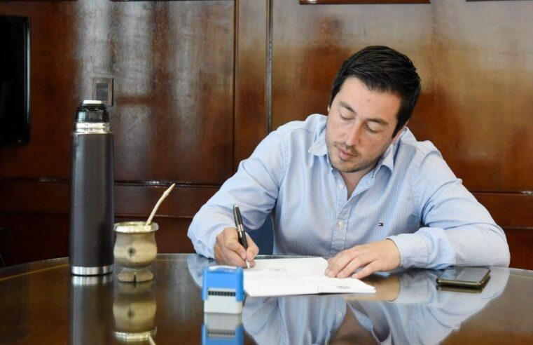 Nardini anunció un aumento del 40% para trabajadores municipales de Malvinas Argentinas