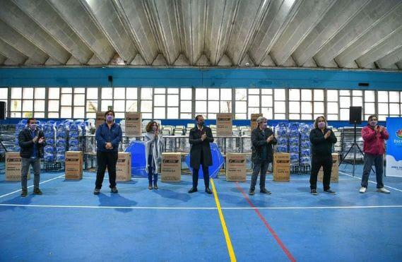 Sujarchuk hizo entrega de mobiliario escolar para 54 establecimientos educativos
