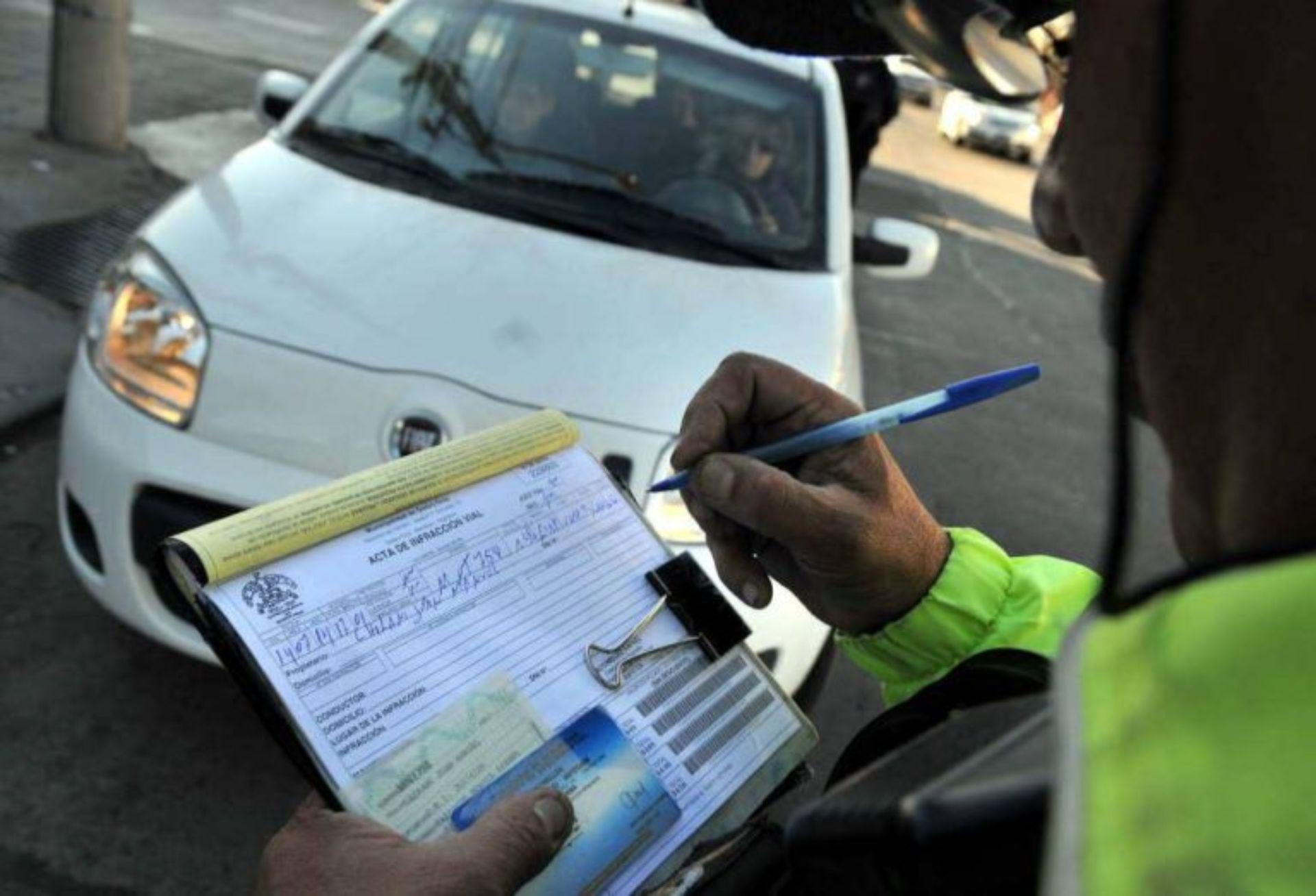 Coronavirus: Crean fondo para destinar a los municipios la recaudación por multas