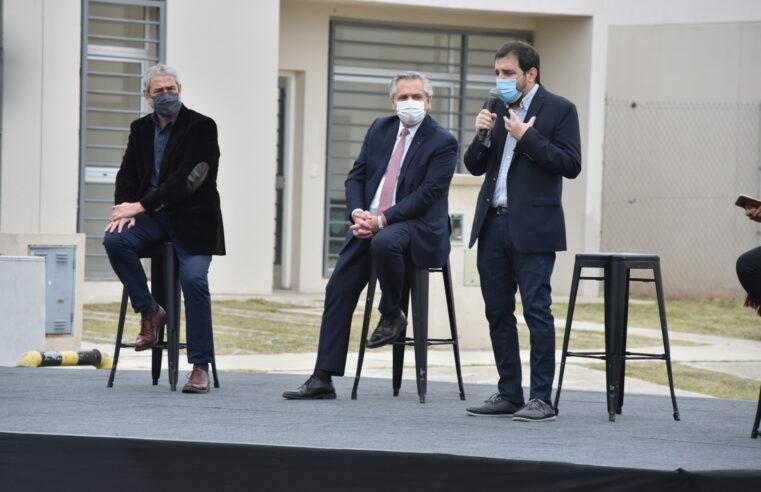 Alberto y Moreira entregaron la vivienda N° 10.000 del Programa Casa Propia