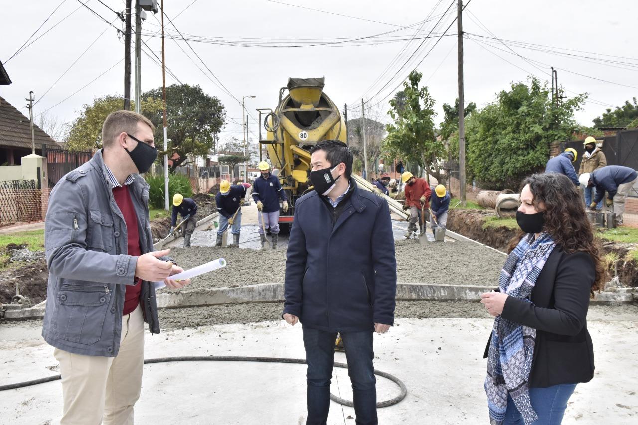 """""""Estamos felices de poder multiplicar la obra pública en momentos de pandemia"""""""