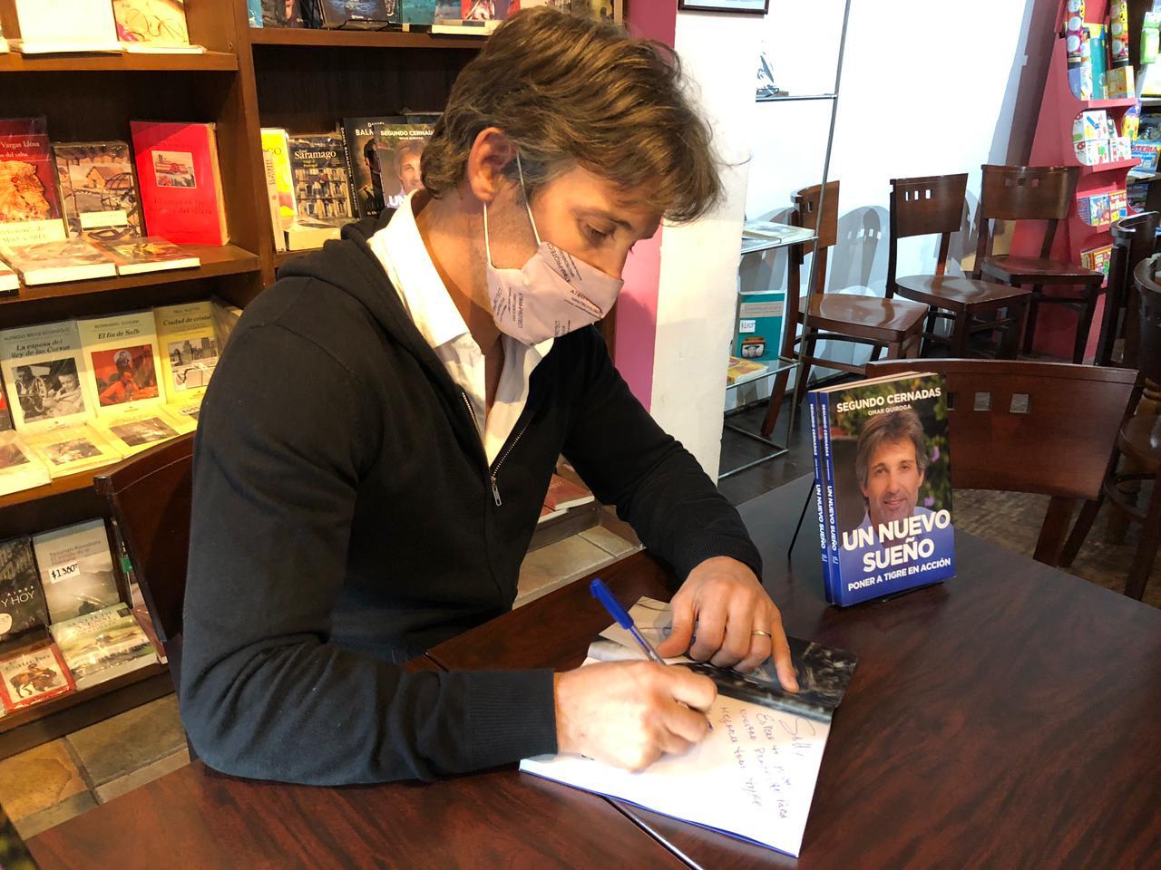 Cernadas presentó su libro de cara a las PASO