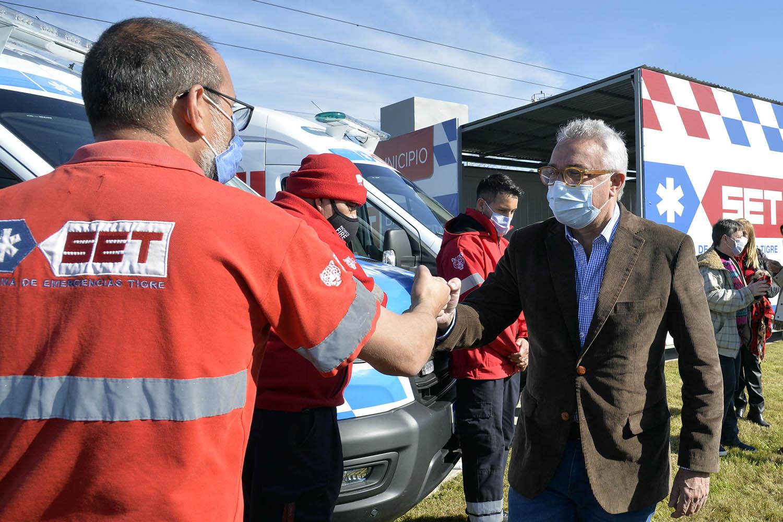 Zamora presentó nuevos móviles y una base operativa del Sistema de Emergencias Tigre