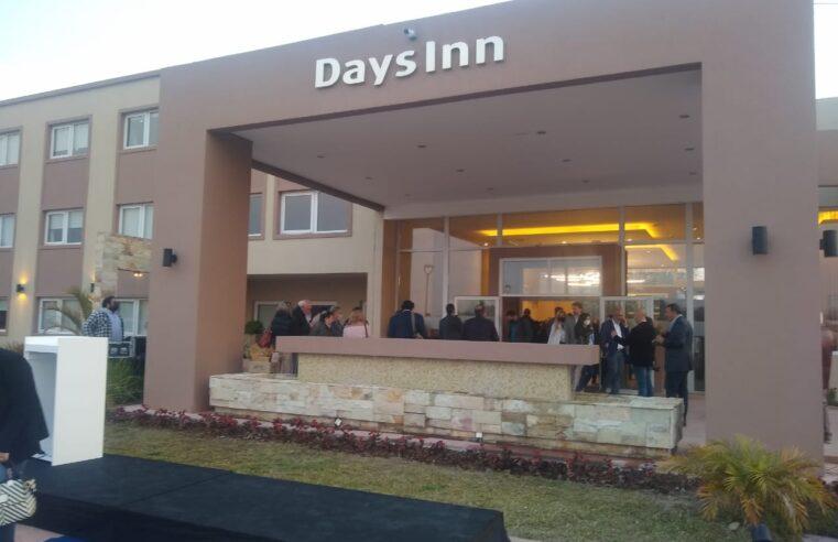 Fabián Agüero participó de la  inauguración del Days inn en Zárate