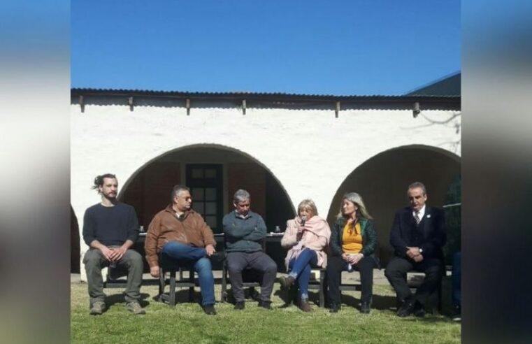"""Siro y Moreno visitaron en Suipacha la empresa """"La Suipachense"""" y el frigorífico municipal"""