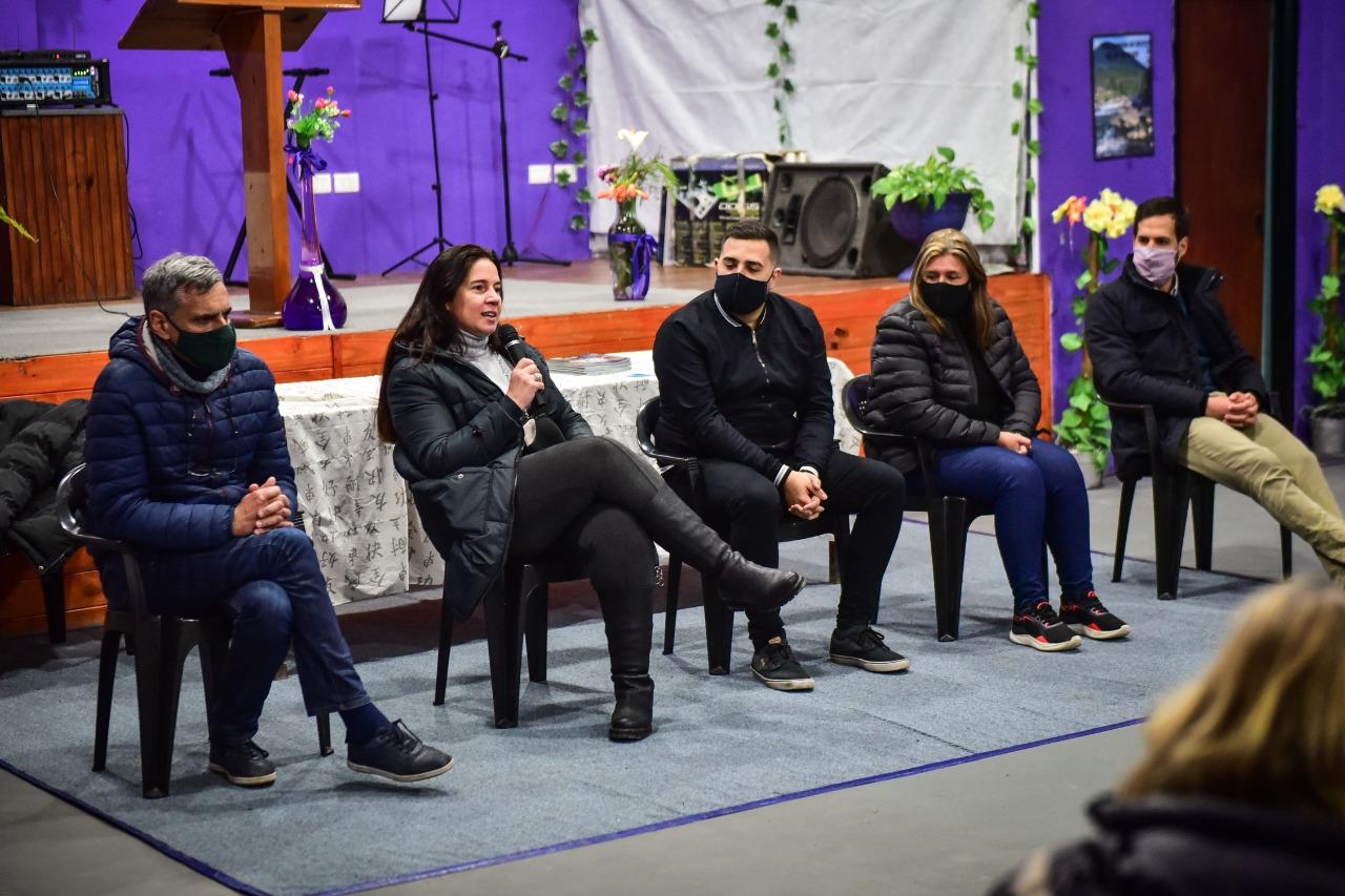 Laura Guazzaroni encabezó una reunión con vecinos e integrantes de la Pastoral Unida de Garín