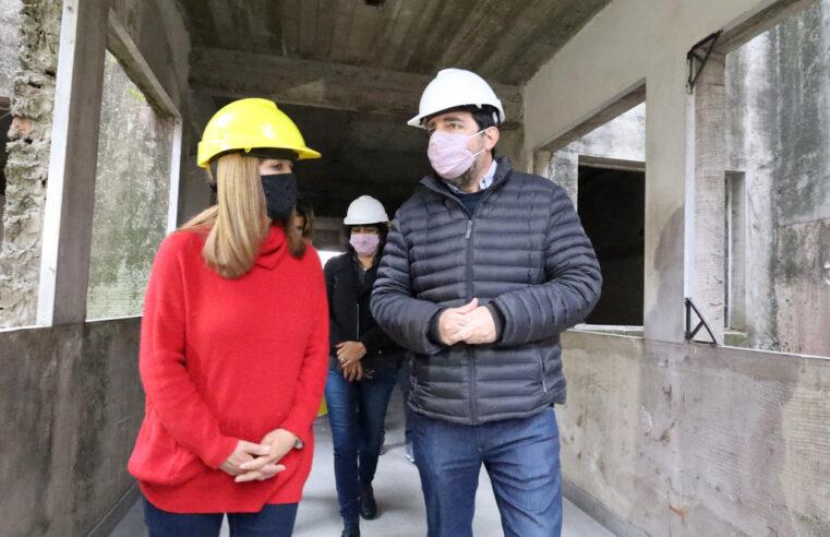 Moreira recorrió las obras del nuevo edificio de la Escuela de Artes Visuales Antonio Berni