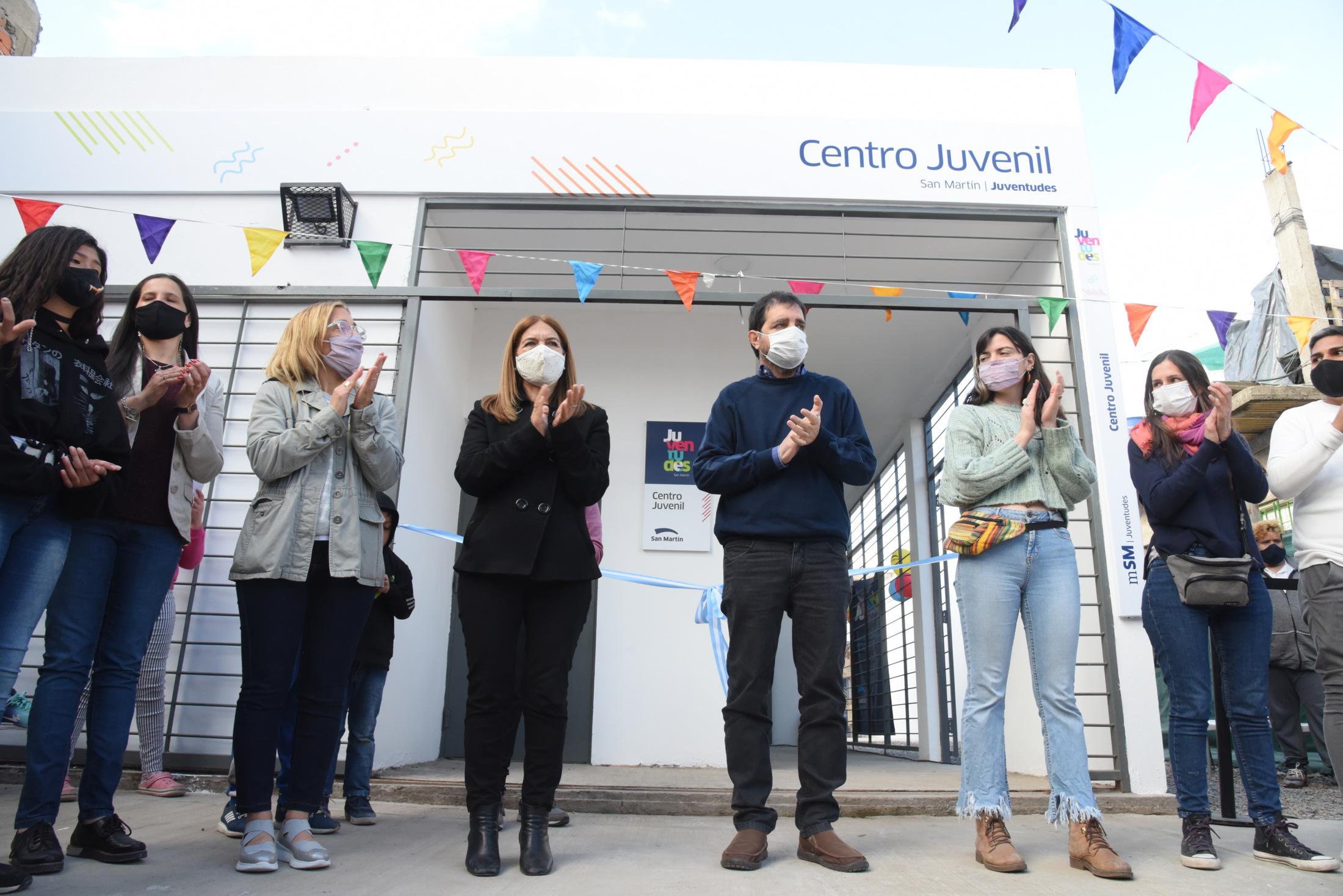 Moreira inauguró un Centro Juvenil en el barrio Los Eucaliptos