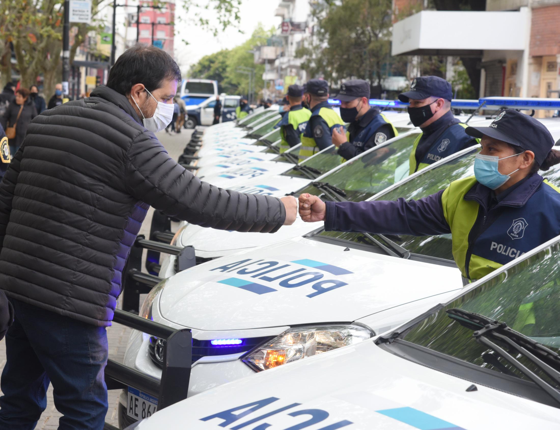 Moreira presentó 15 nuevos patrulleros y 300 chalecos antibalas